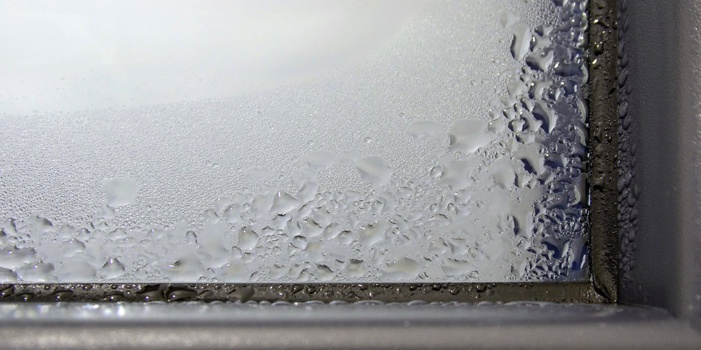 window condensation without trickle vents